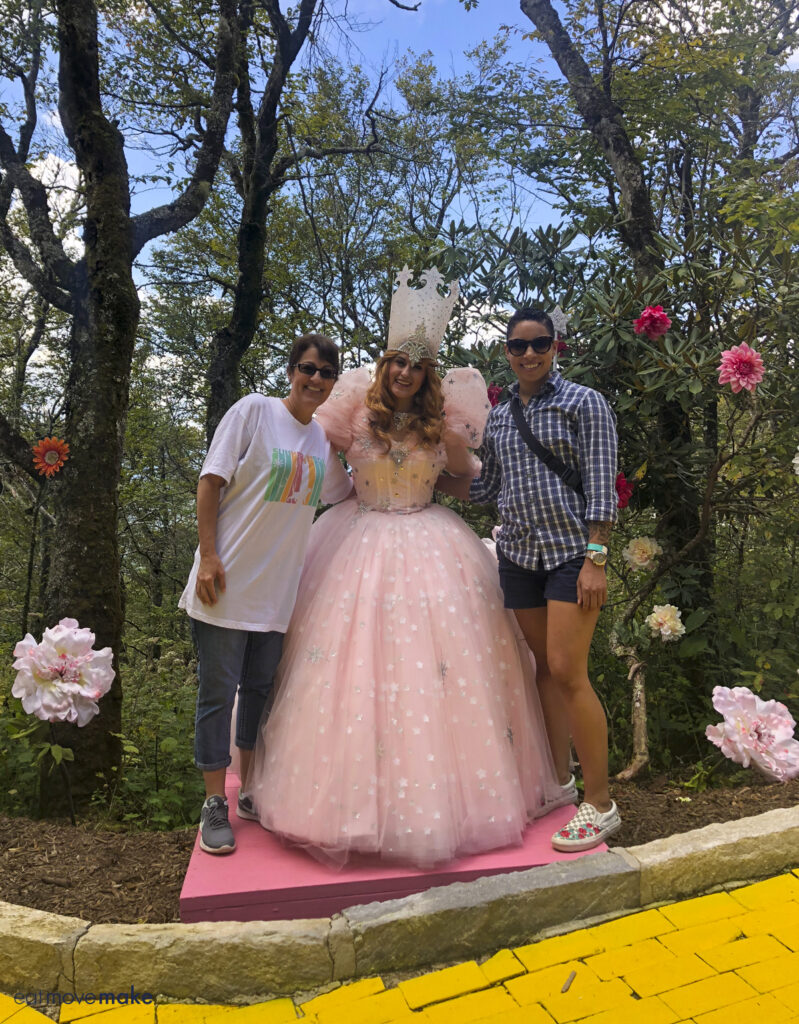 Glinda the Good Witch posing with two ladies