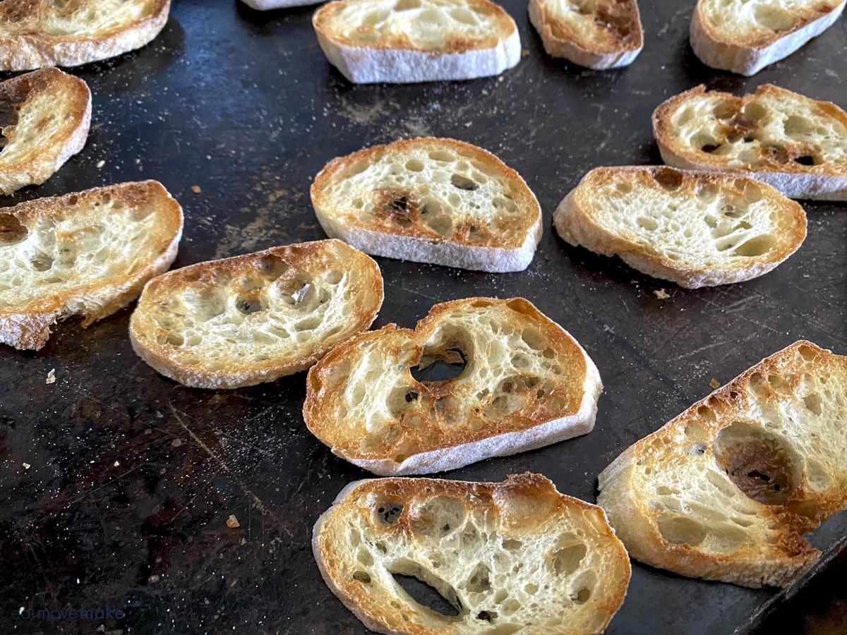 toasted crostini slices