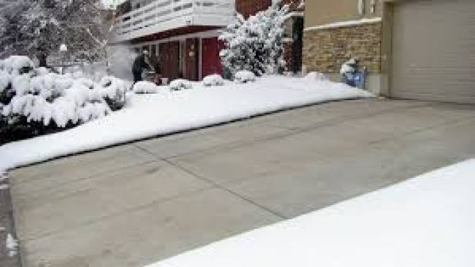 Driveway snow removal services