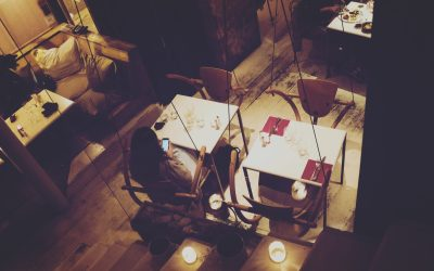 Dîner en se balançant au restaurant Sur un Arbre Perché à Paris