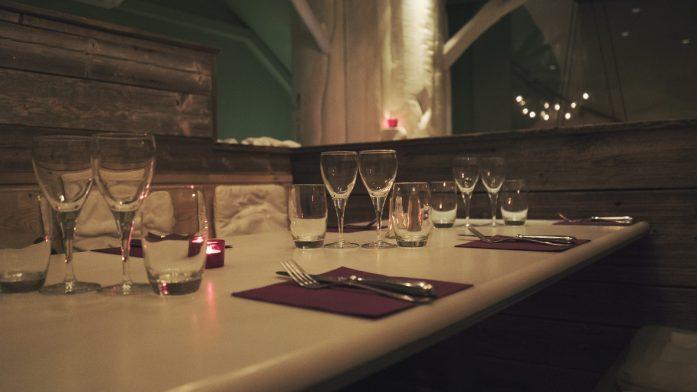 Tables cosy du restaurant Sur un arbre perché