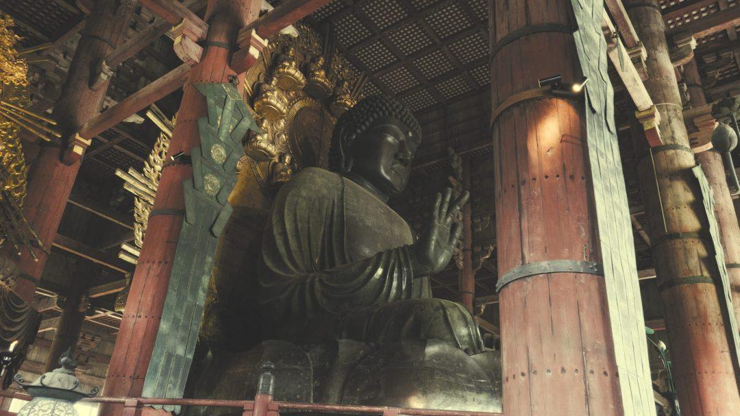 Le grand buddha du temple Todai-ji à Nara