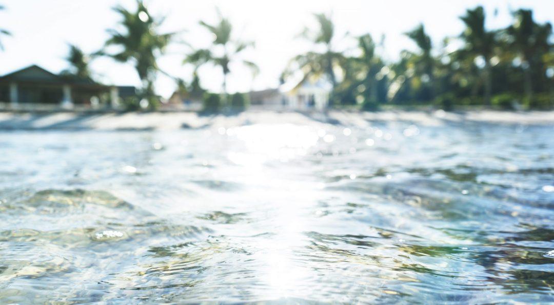 La plage de l'hôtel sur l'île d'Andros aux Bahamas