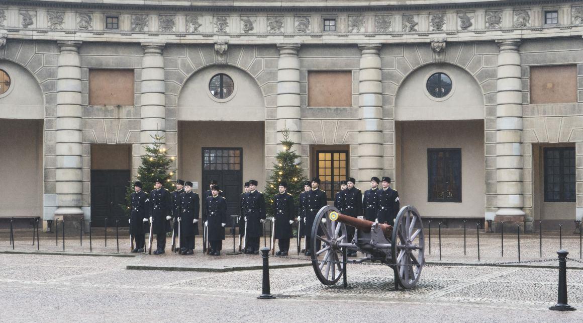 Relève de la garde au palais royal de Stockholm