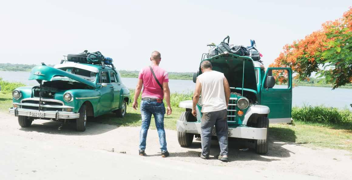 Un arrêt en taxi collectif sur la route vers Playa Larga