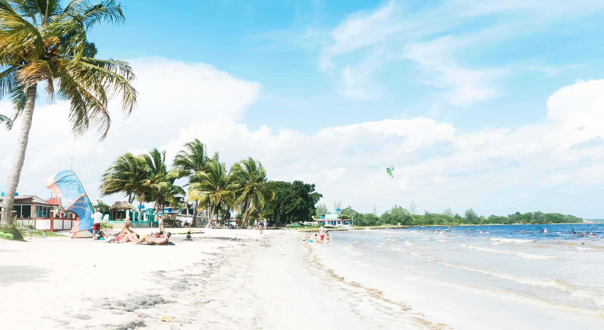 Playa Larga Cover