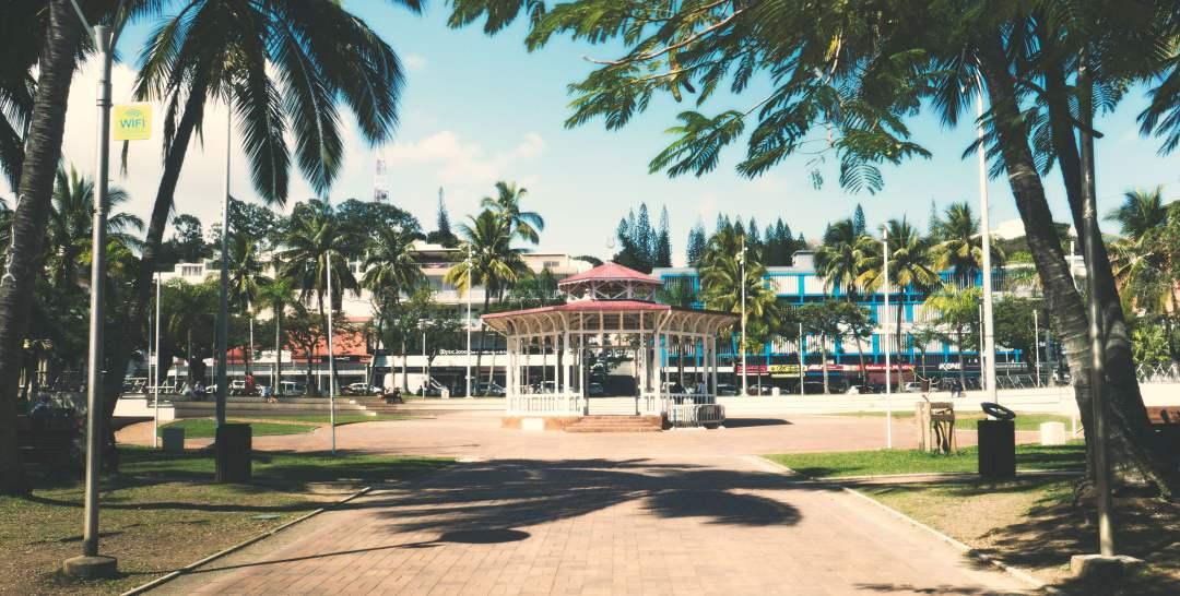 La place des cocotiers à Nouméa