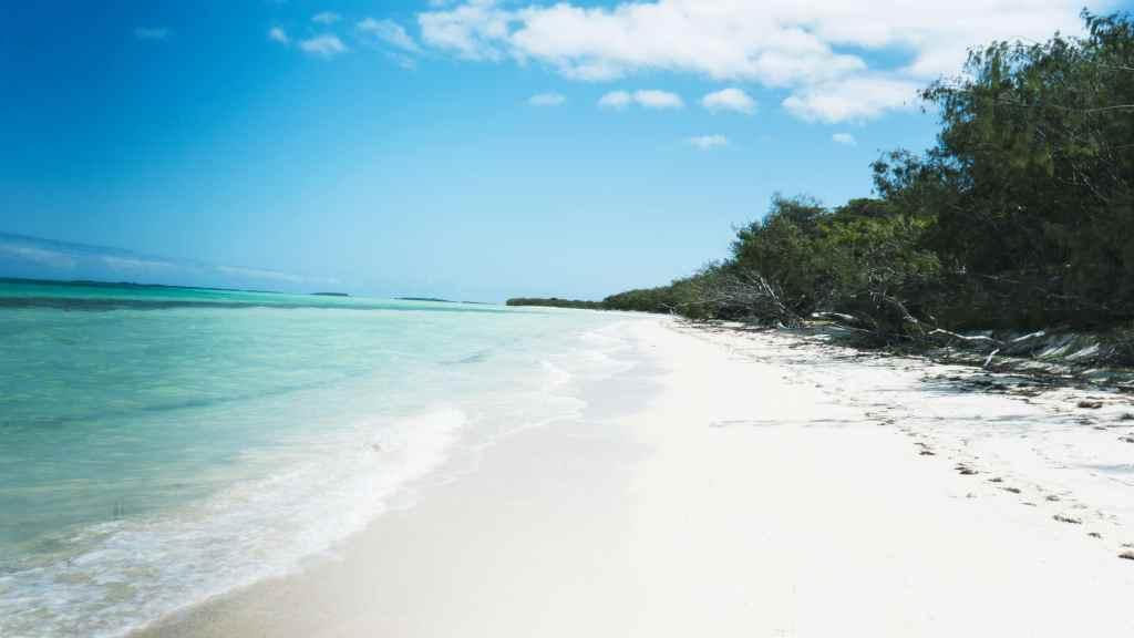 plage déserte d'Ouvea