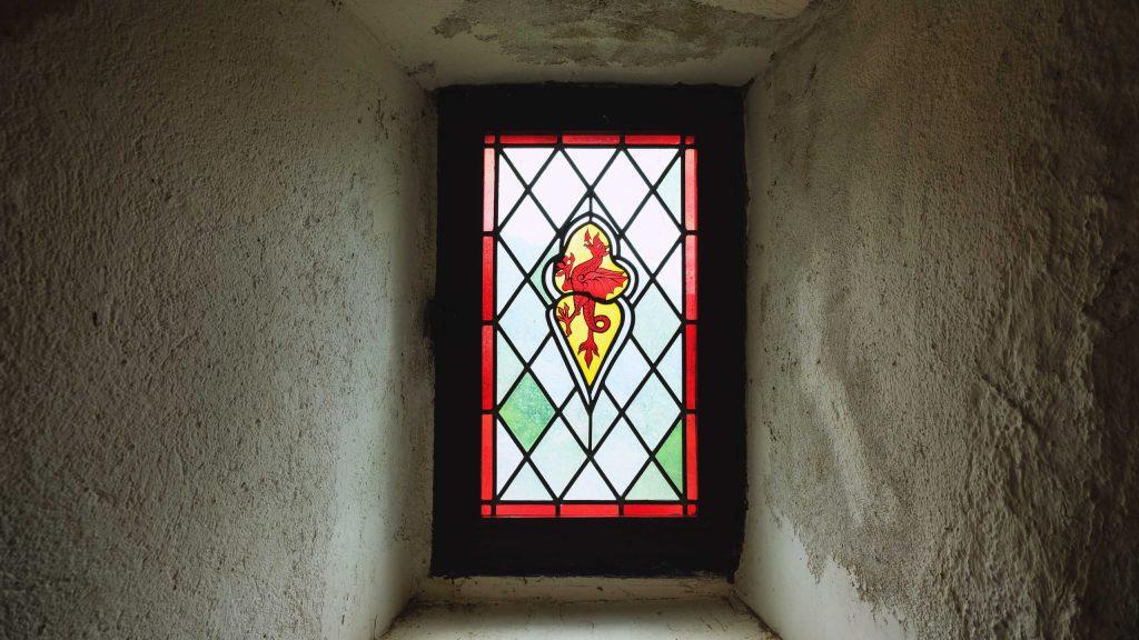 vitraux du chateau de belcastel