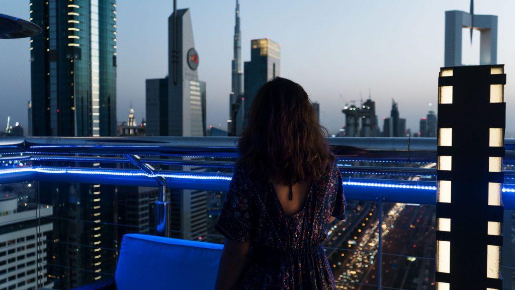 Eatmytravel sur un rooftop à Dubaï