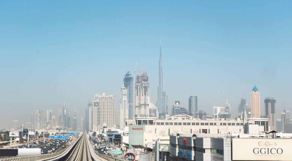 Dubai vue du métro