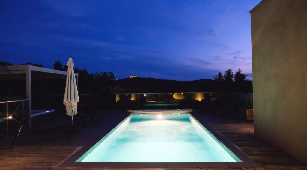 piscine villas de labro nuit
