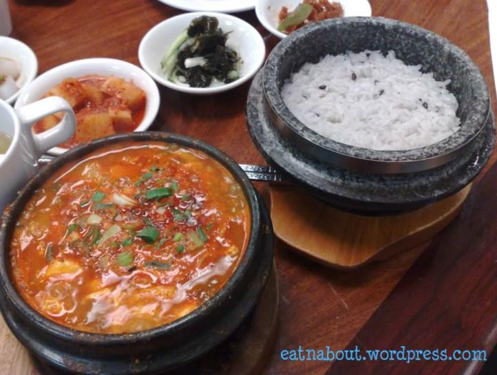 New Seoul Restaurant: Kimchi Pot with rice