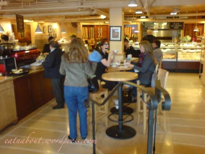 Le Panier - Very French Bakery interior