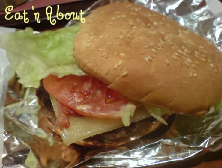 A&W: Mozza Burger