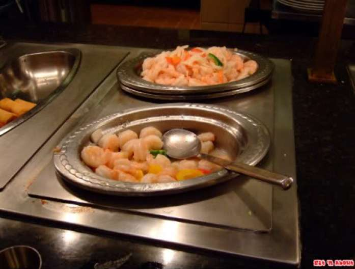 Falls Buffet: shrimp stir-fry