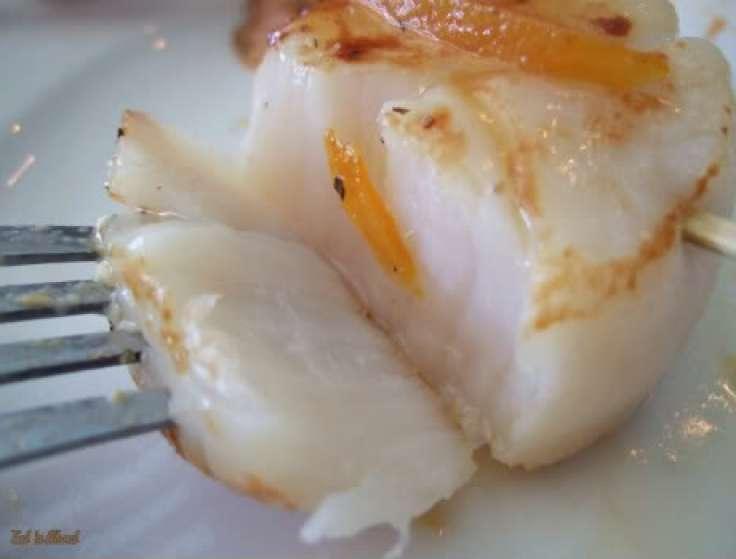 Laziza Modern Mediterranean: Scallops with orange reduction
