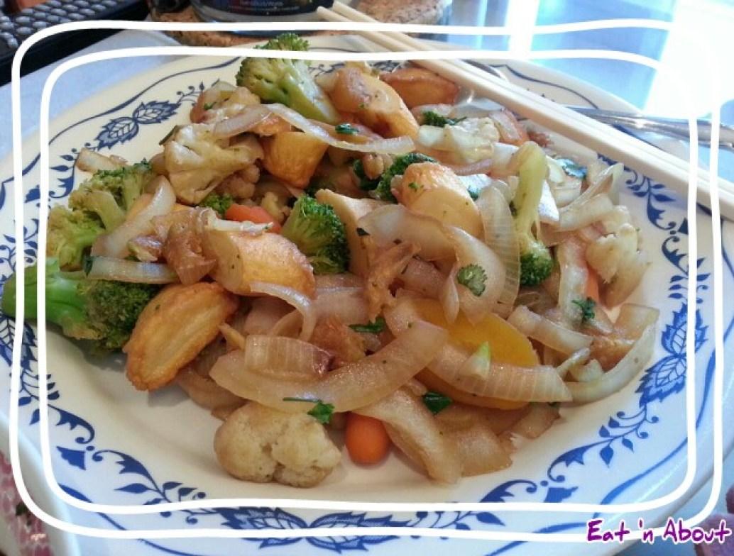 Stir fried Veggies with Mochi Fishcake