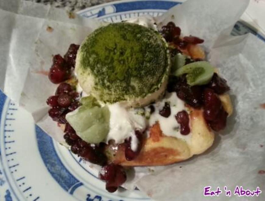 Tealips Bubble Tea & Coffee: Matcha Red Bean Waffle