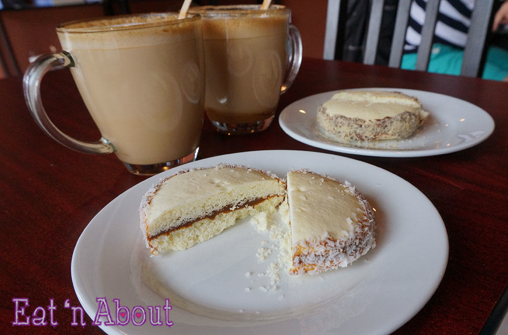 Saltenas Cafe and Pastries - Dulce de Leche alfajor cookie