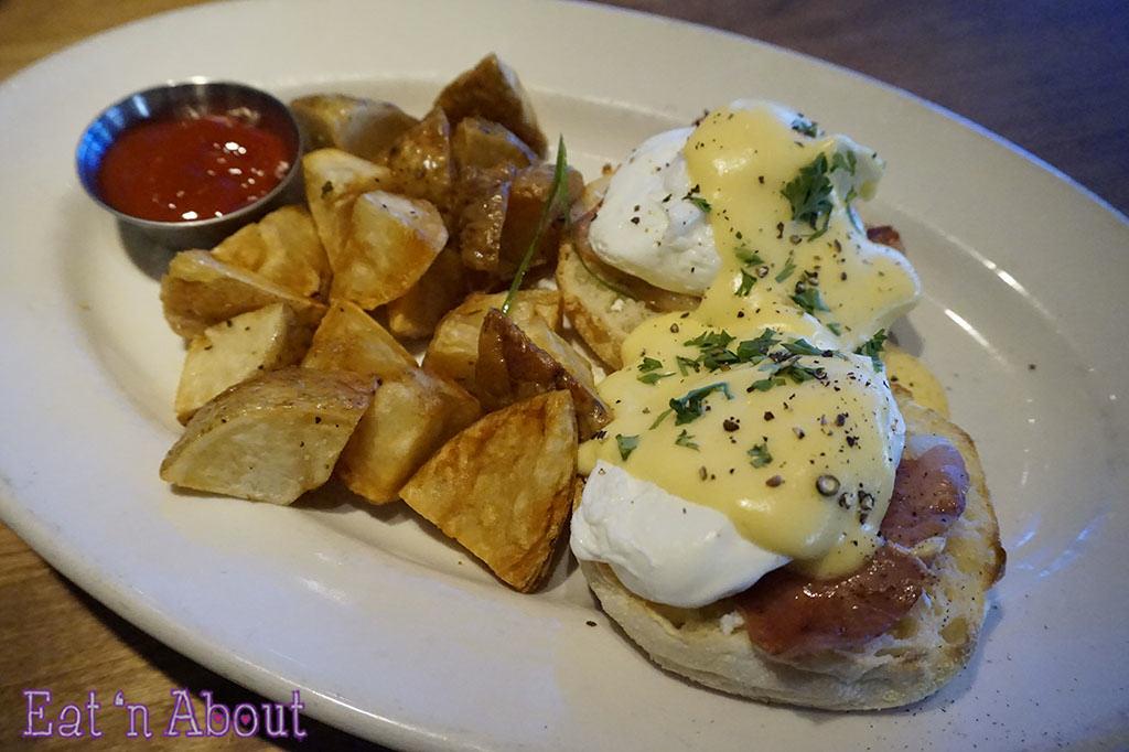 Browns Socialhouse - Prosciutto Eggs Benedict