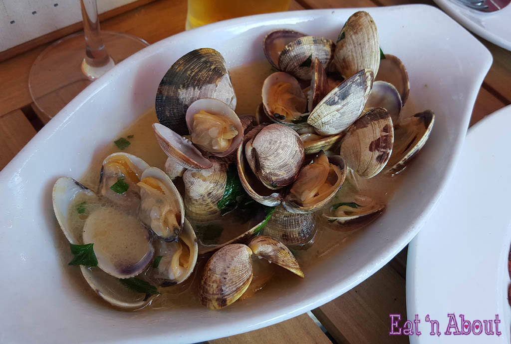 The Flying Pig - Steamed Clams