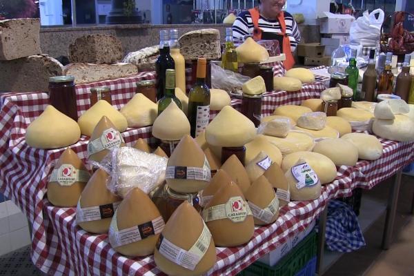 farmers market guided tour galicia