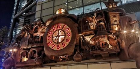 。東京 汐留。宮崎駿大時鐘 日テレ大時計:日本電視台下的無料景點(含作動時間表)。