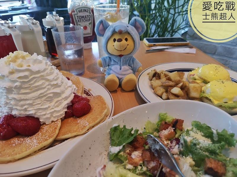 。東京 台場。Eggs'n Things-AUQA CITY百貨人氣美食:火山鬆餅+早午餐,好吃又好拍。