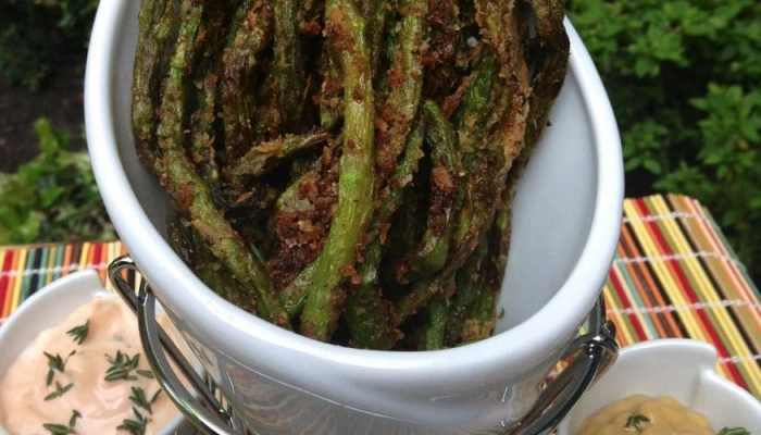 Awesomeness Has Arrived: Lemon-Pepper Battered Asparagus Fries