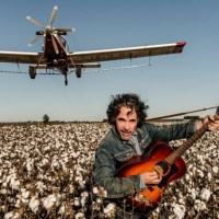 "John Oates Interview: New Album ""Arkansas"" & The Connection To His Memoir ""Change Of Seasons"""