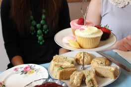 http://eatprayjade.com/2014/06/03/good-friends-good-tea-and-some-lovely-scones-that-is-the-ideal-life/
