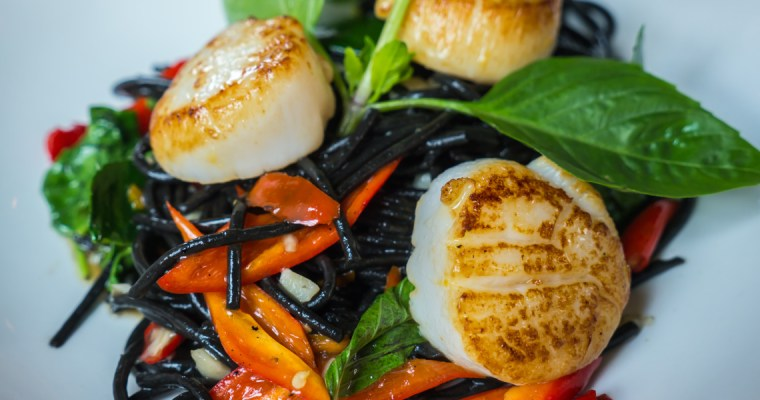 STIR FRY NOODLES AND SCALLOPS