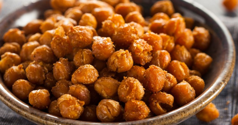 CRISPY SPICY ROASTED CHICKPEAS