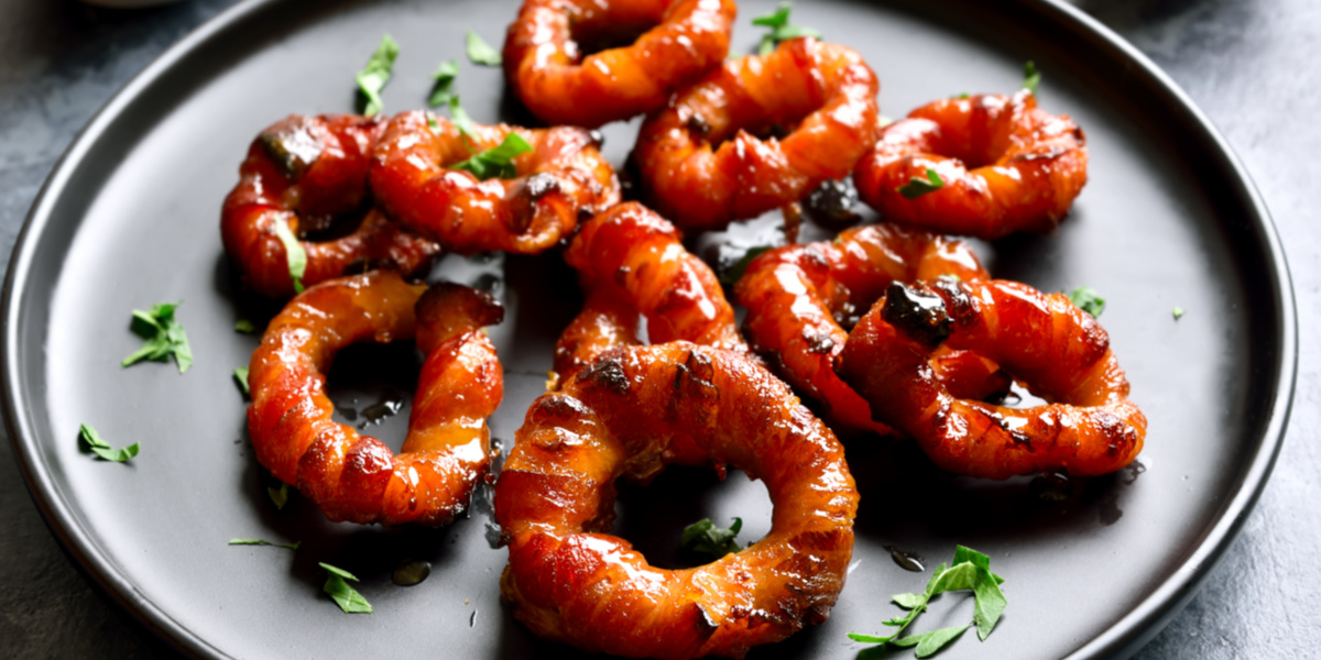 GLAZED BACON WRAPPED ONION RINGS