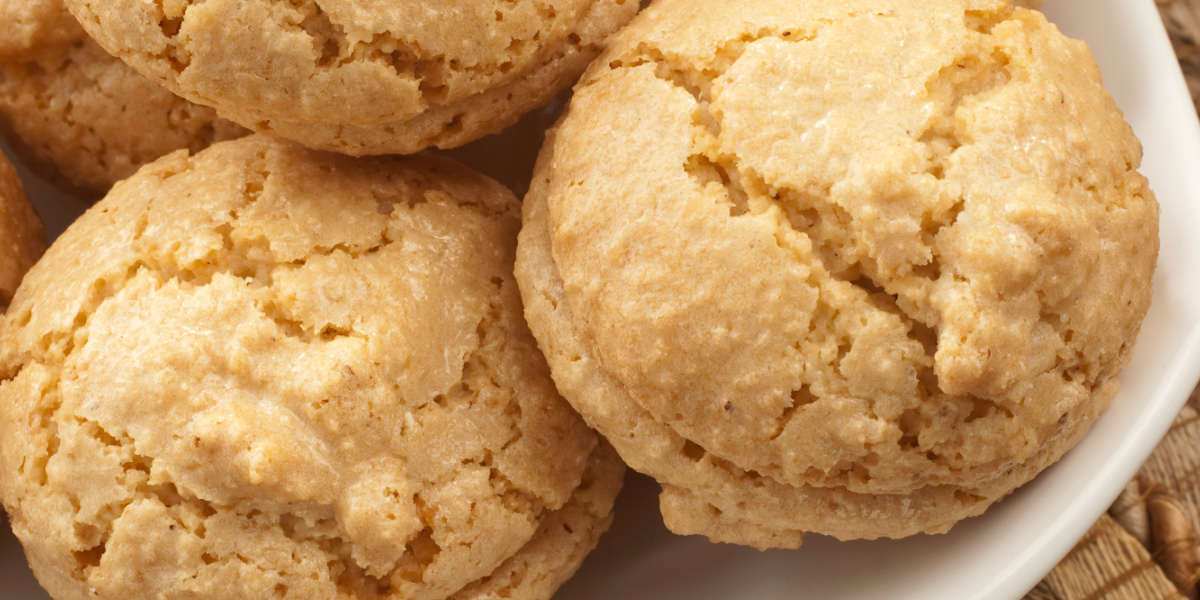 CHEWY ALMOND MACAROONS