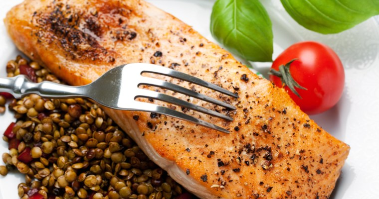 ROASTED SALMON AND LENTILS