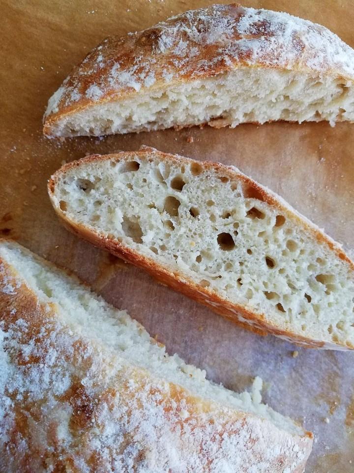 no knead bread slice