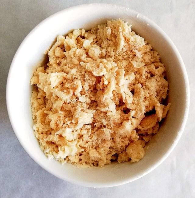 apple crumb cake crumb topping layer