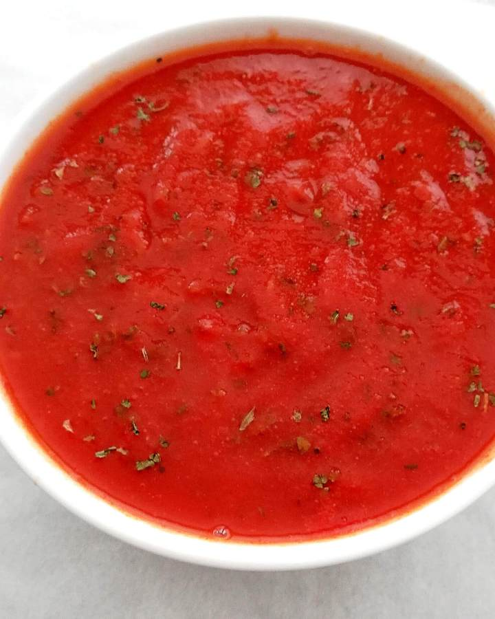 marinara sauce in bowl close up