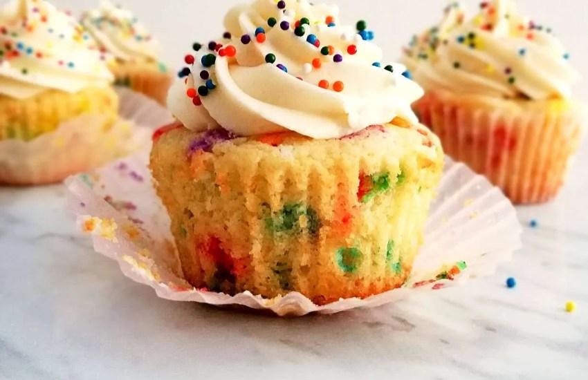 funfetti cupcakes unwraped