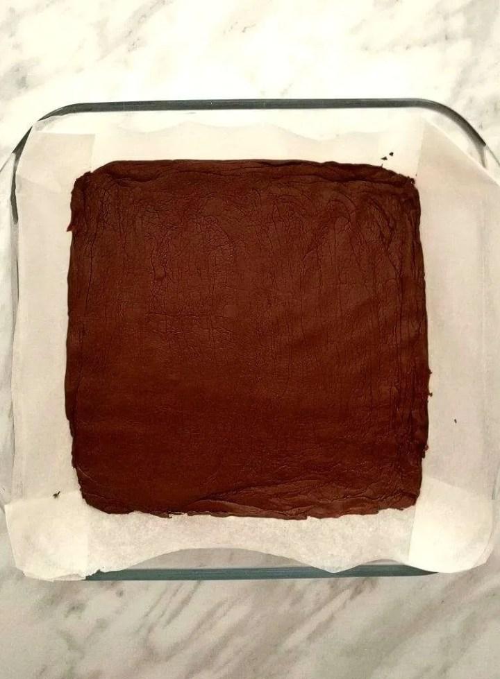 2-ingredient-chocolate-fudge-mixture-in-square-dish-753x1024 (1)