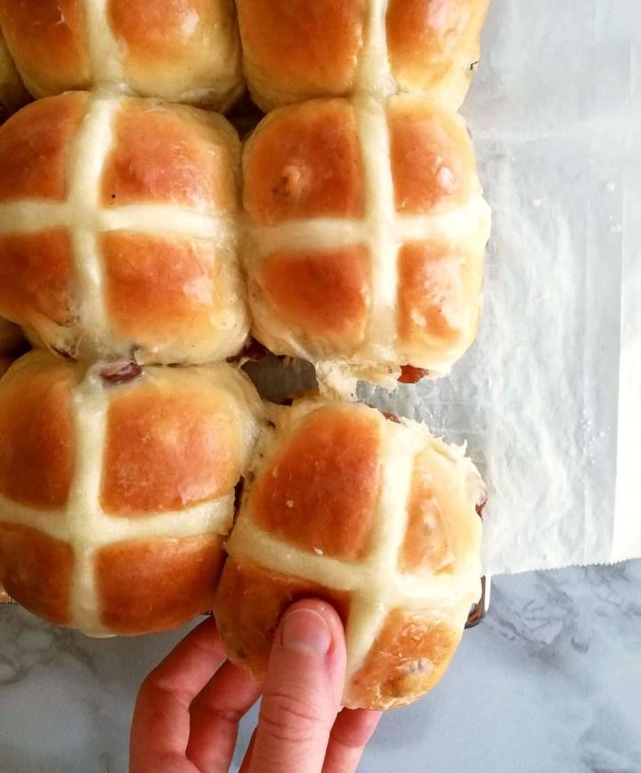 Easter hot cross buns pull apart