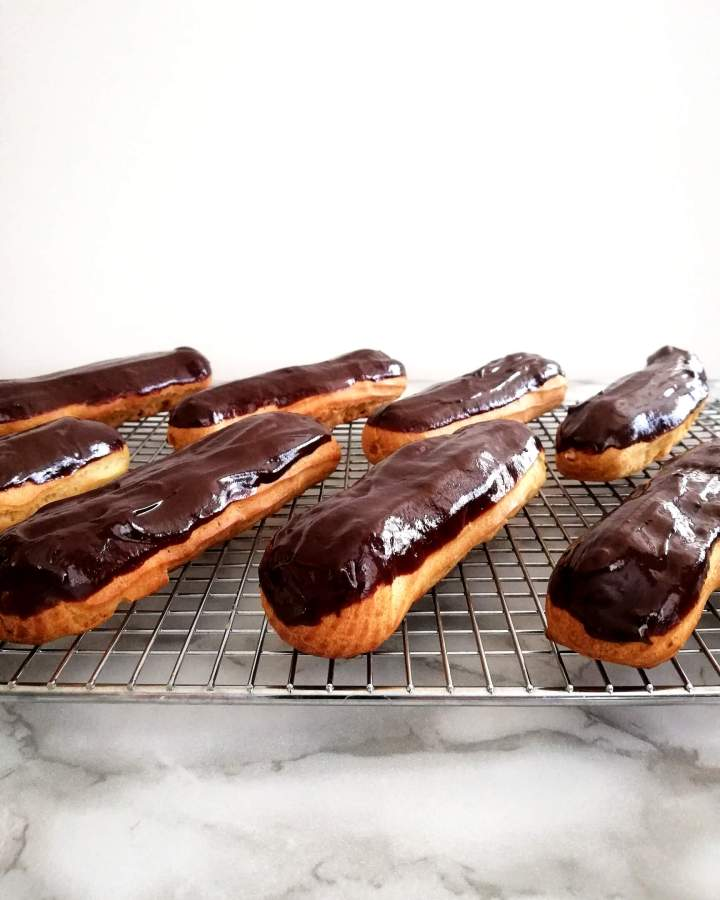 éclairs on wire rack