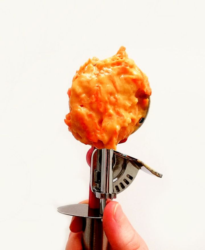 carrot-muffin-batter-in-ice-cream-scoop (1) (1)