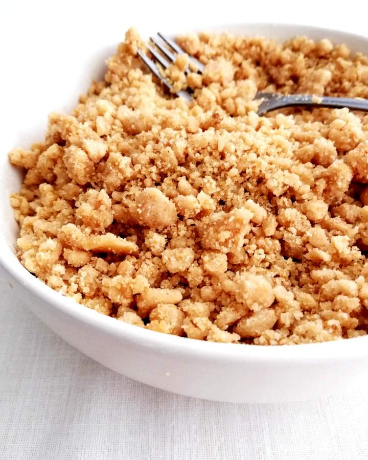 streusel topping in bowl close up