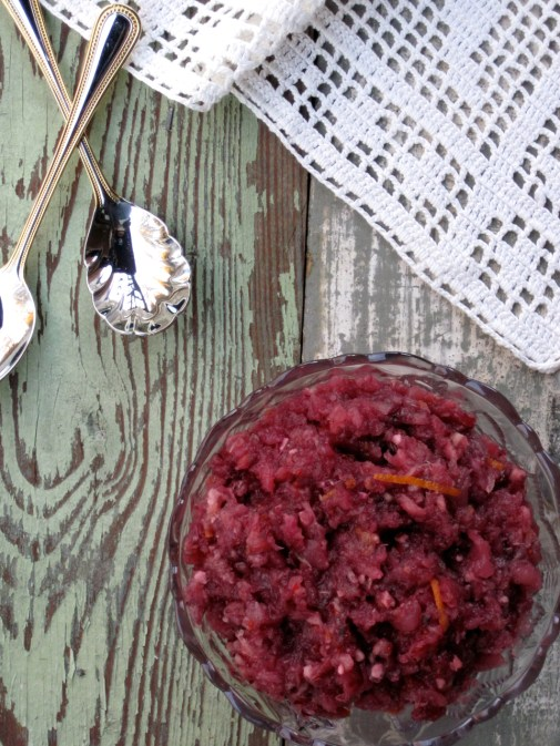 Paleo Holiday Cranberry Sauce | Thanksgiving can be stressful when you have serious food sensitivities. Here's what I did this year. Plus, my family recipe for cranberry sauce made paleo. | eatsomethingdelicious.com
