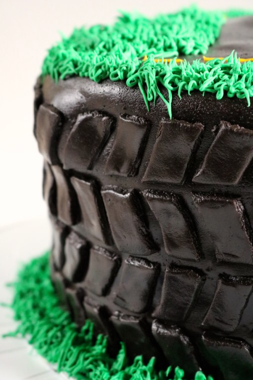 Allen's Tire Birthday Cake | Learn how to decorate a cake using only gluten free ingredients. I made this vanilla cake decorated in a tire tread pattern for my son's first birthday. | eatsomethingdelicious.com