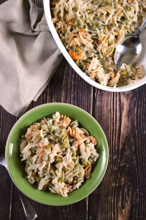 """Cheesy Tuna Noodle Casserole   """"Cheesy"""" tuna noodle casserole without the dairy or gluten. This classic comfort food is ready to go in the oven in just 10 minutes.   eatsomethingdelicious.com"""