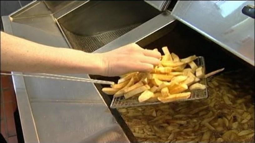 Fish Frying Skills - Frying Chips | 07